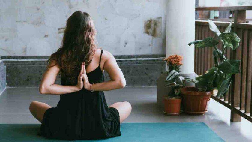 Comment pratiquer yoga maison