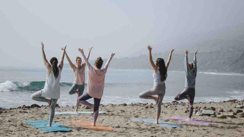 Comment faire un yoga du rire